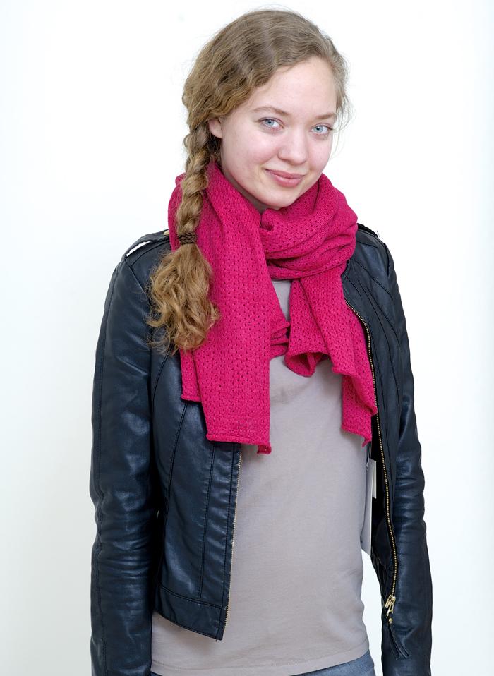 14.04.13 scarf liv