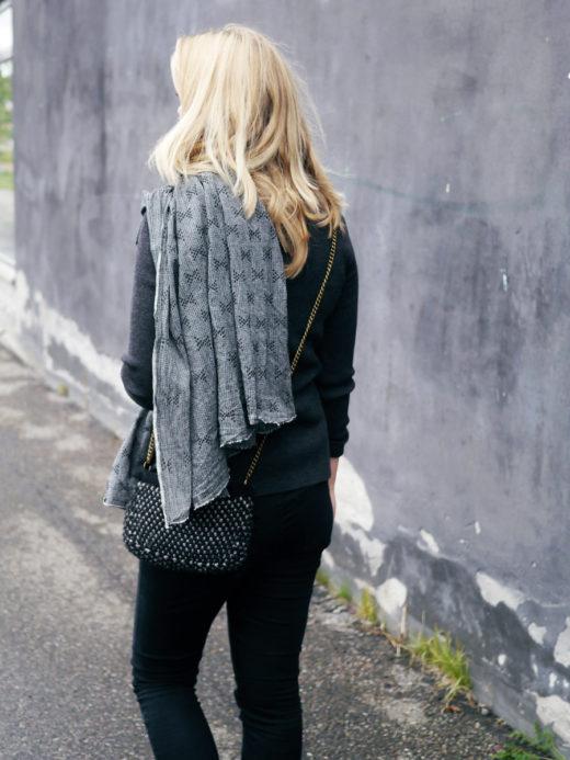 bedremode grey handmade scarf 1