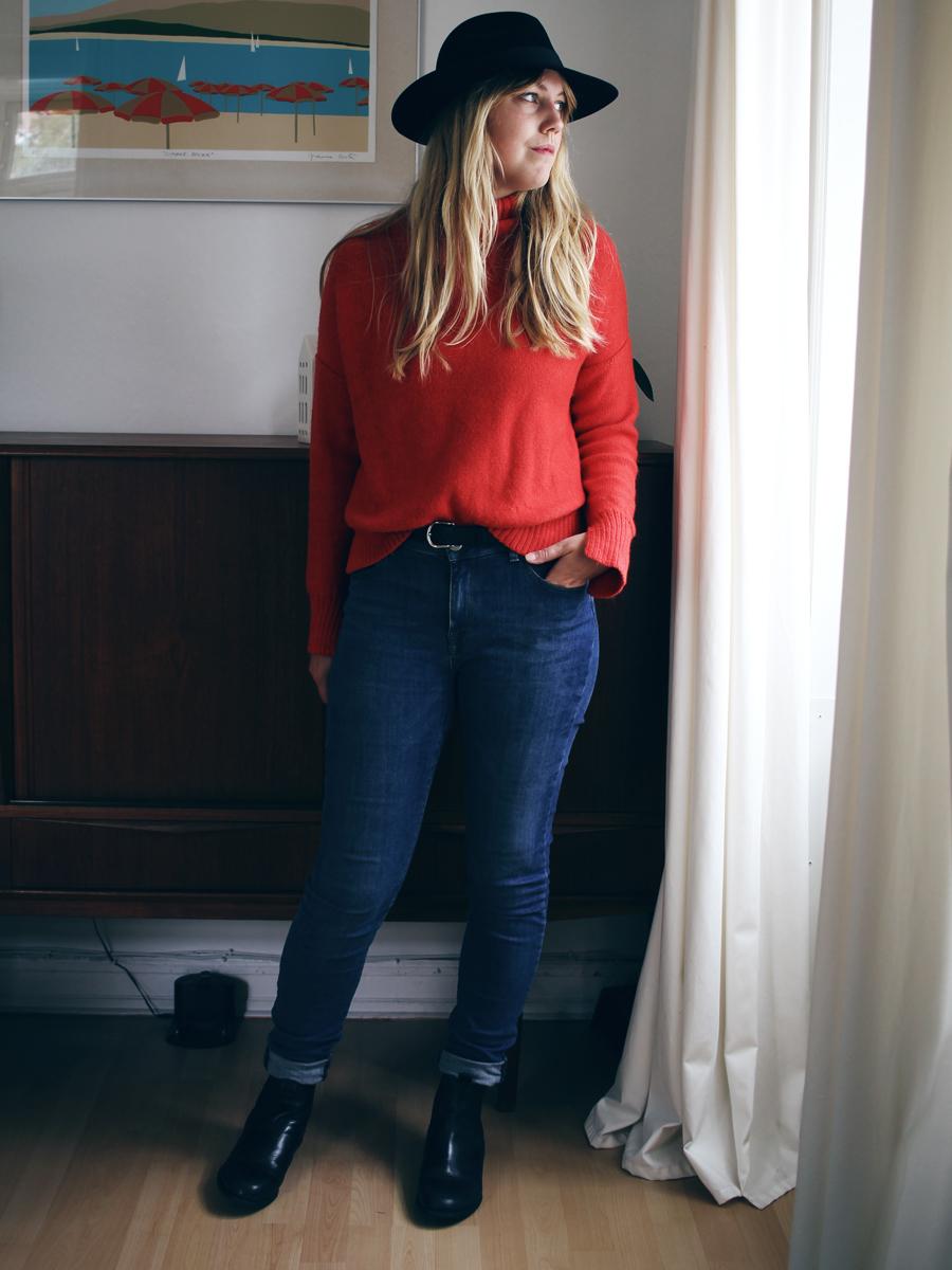 3 måder at style rød sweater 1